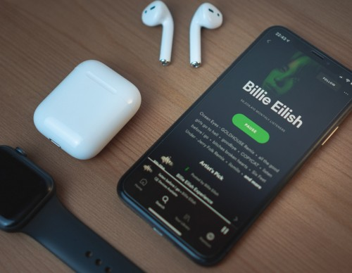Spotify Music, Podcasts Downloader: How to Download on Apple Watch and Use Offline