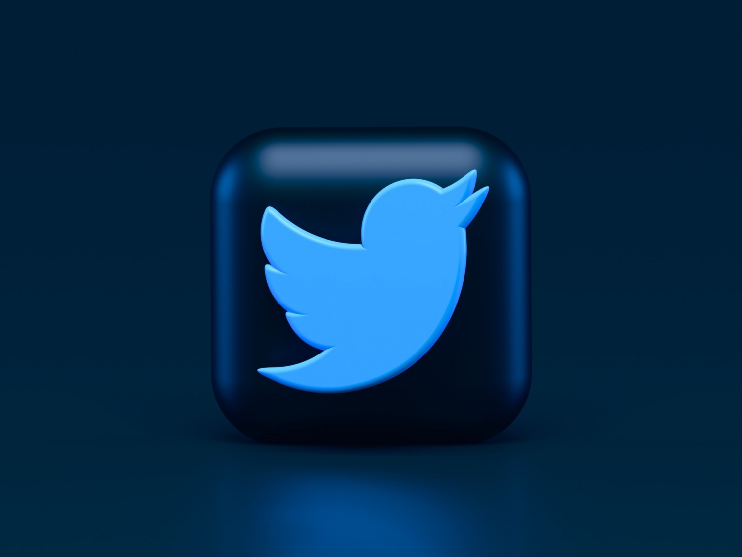 Twitter vs. Facebook: 5 Tweet Reactions Rumored, Angry Expression Missing?