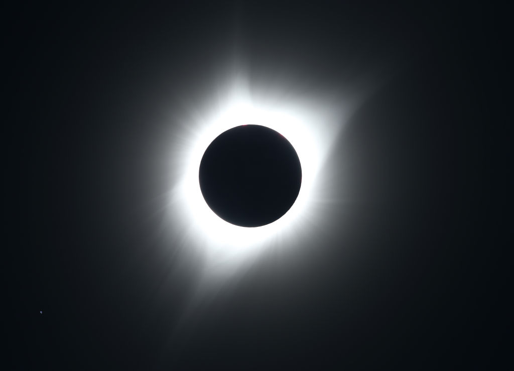 Ring of Fire Eclipse 2021: Date, Time and How to Capture the Moment With Your Mobile Phone