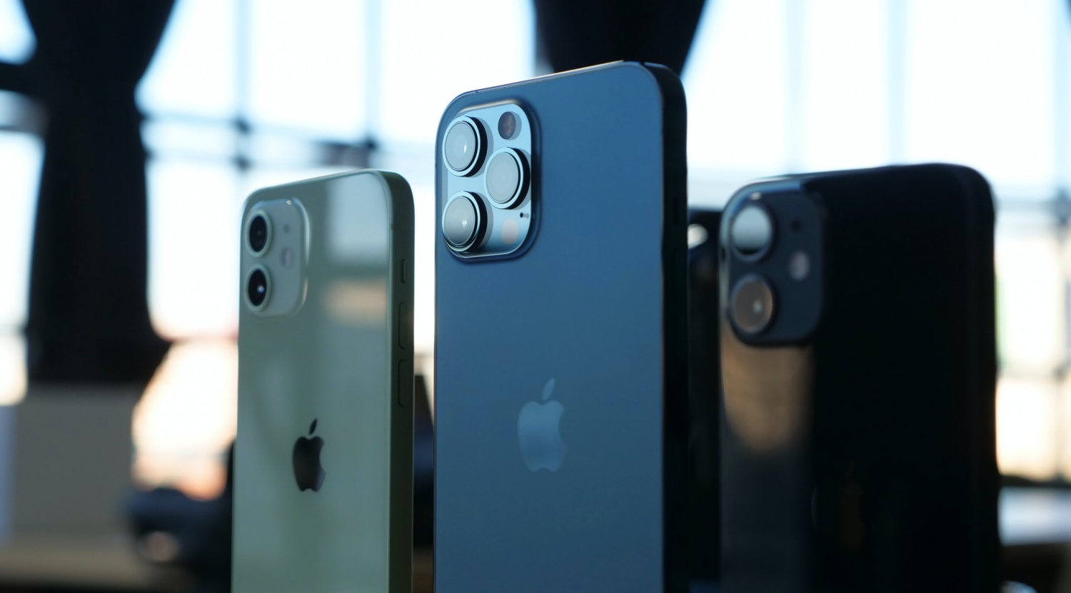 iPhone 13 vs. iPhone 12: Design Differences, Camera Upgrades, Battery and More Specs