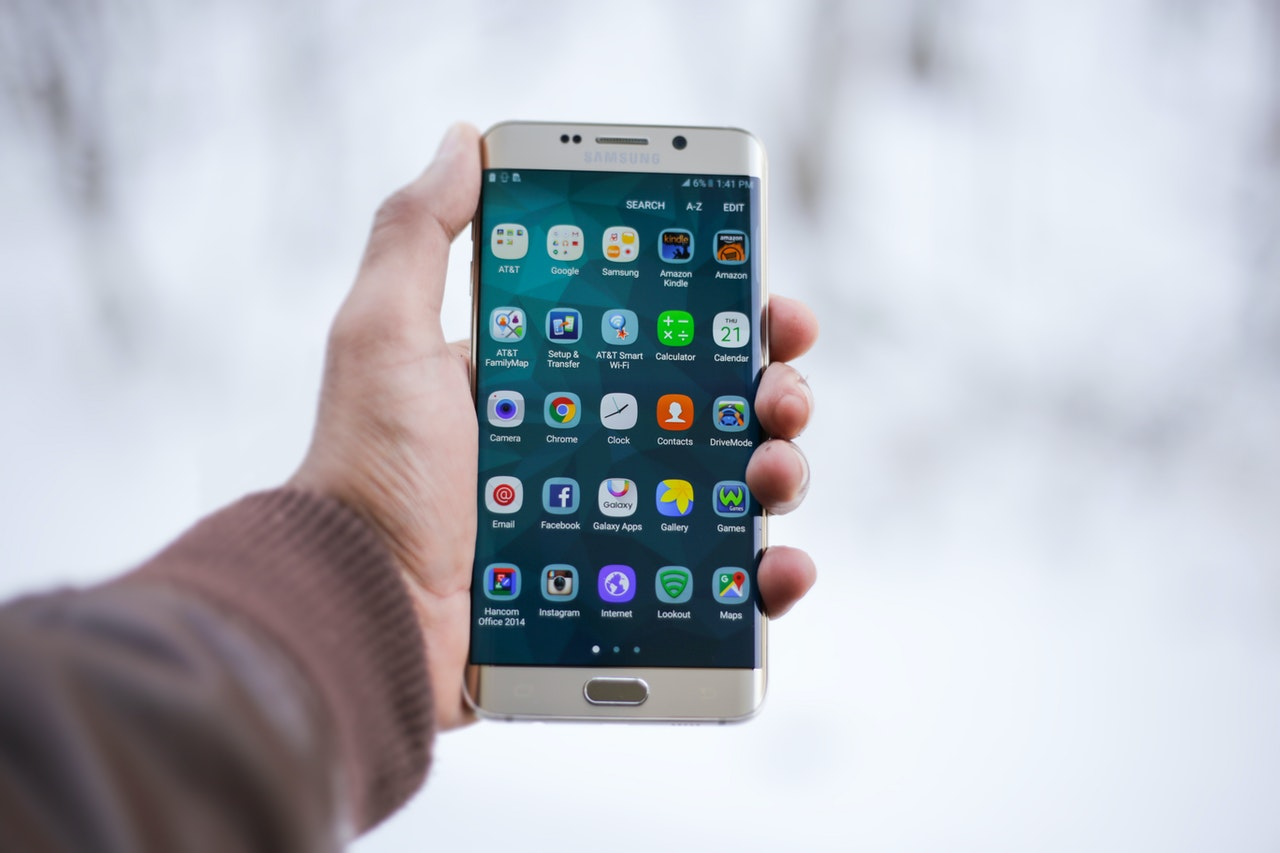 Why Is Samsung Not Downloading Apps From Google Play Store? 8 Ways to Fix the Issue