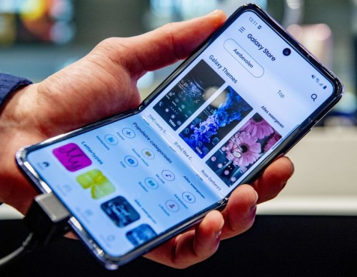 Samsung Galaxy Z Flip 3 Colors Leaked! Beige, Pink, 6 Other Variants Revealed