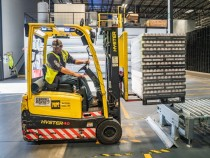 Introducing Technology into Your Warehouse and Logistics Operation
