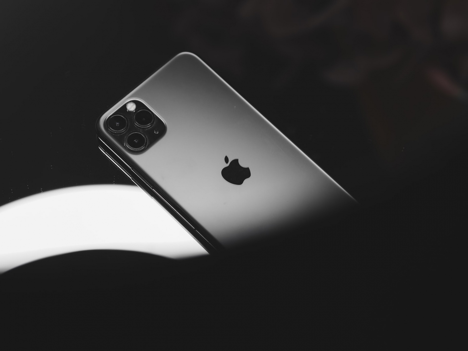 iPhone 13 Leak Teases Worldwide 5G Technology: Release Date, Upgrades, and More Rumored Specs