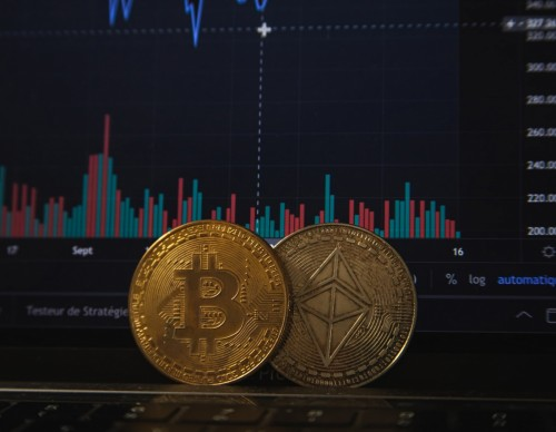 Ethereum Price, Investment Predictions: ETH Value Decreasing, But JPMorgan Experts See $40 Billion Industry Amid Upgrades
