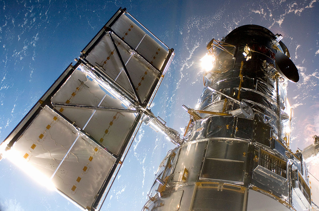 NASA Hubble Telescope Malfunction Continues, But Discovers New Type of Supernova