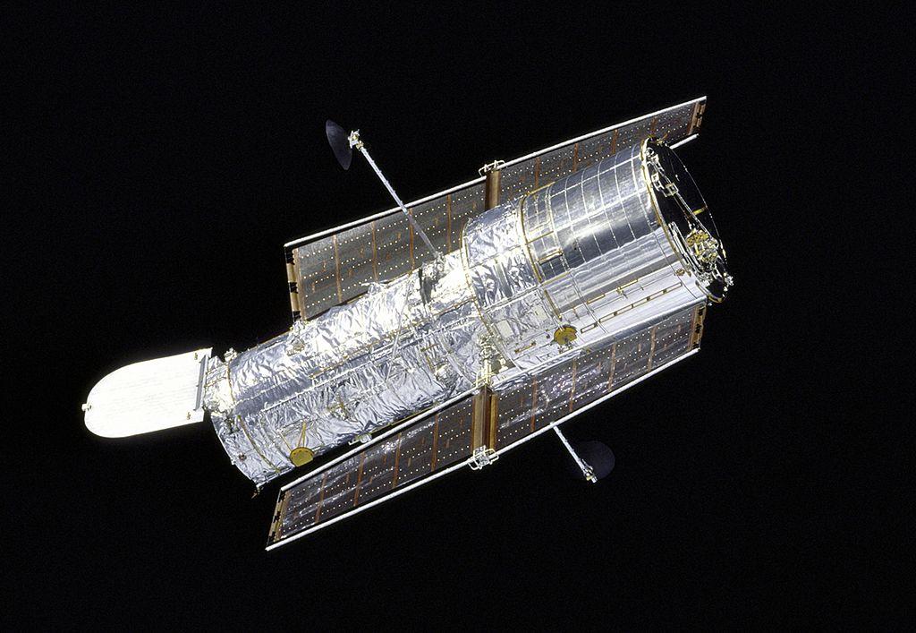 NASA Hubble Space Telescope Entering 'Risky' Procedure After Malfunction; James Webb Telescope Nearing Launch