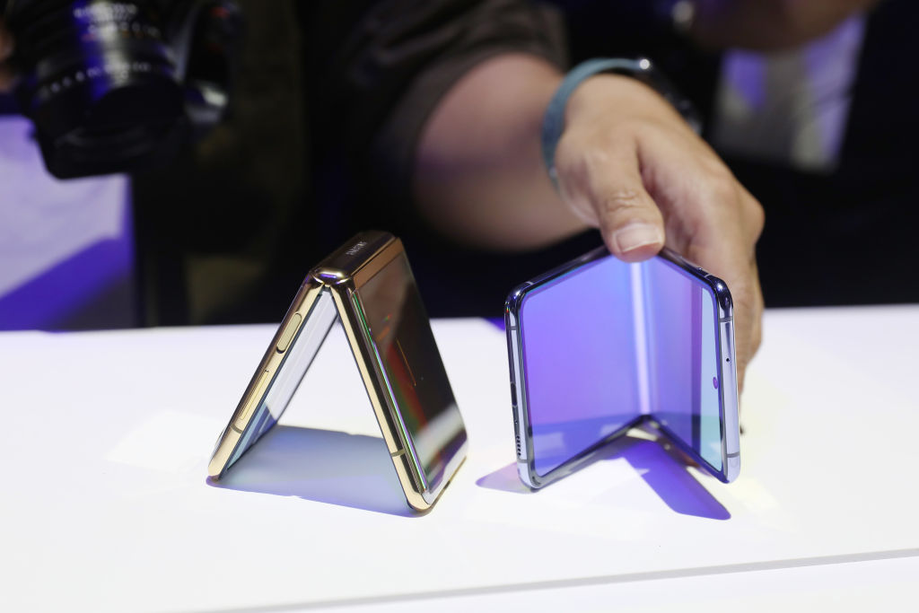 Samsung Galaxy Unpacked Event Rumor: Famous Leaker Tips Possible New Foldable Galaxy Z Fold 3 Phones, Earbuds, and Watches!