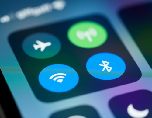 iPhone WiFi Threat Allows Hackers to Take Over Your Phone Remotely: Here's How to Avoid the Security Risk