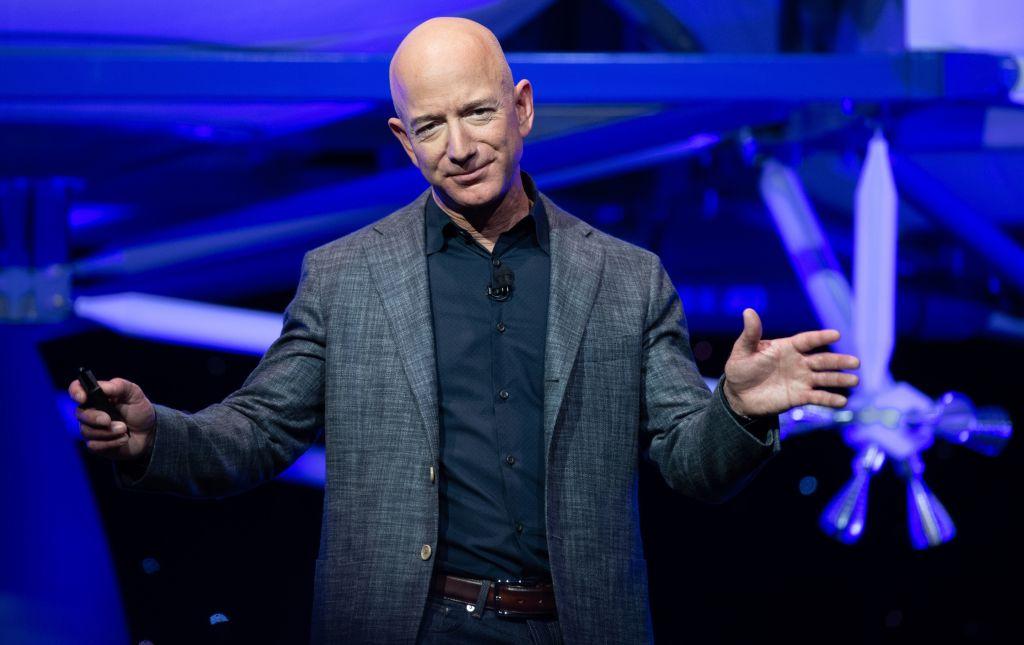 Jeff Bezos Space Flight a Success! Video Highlight, Crew Interview After Blue Origin Launch, Funniest Meme Reactions