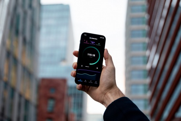 Frustrated About Your iPhone's Slow Data Speed? X Tips to Boost Your Connection