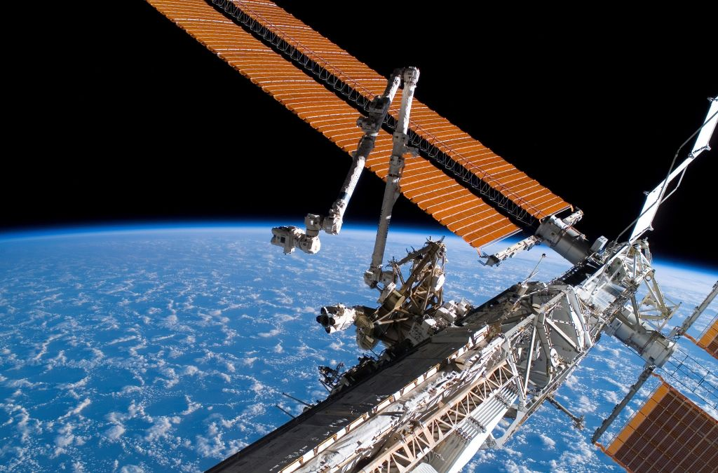 SpaceX Starlink Internet Facing Major Problems? Other Satellites Can Block Signals!