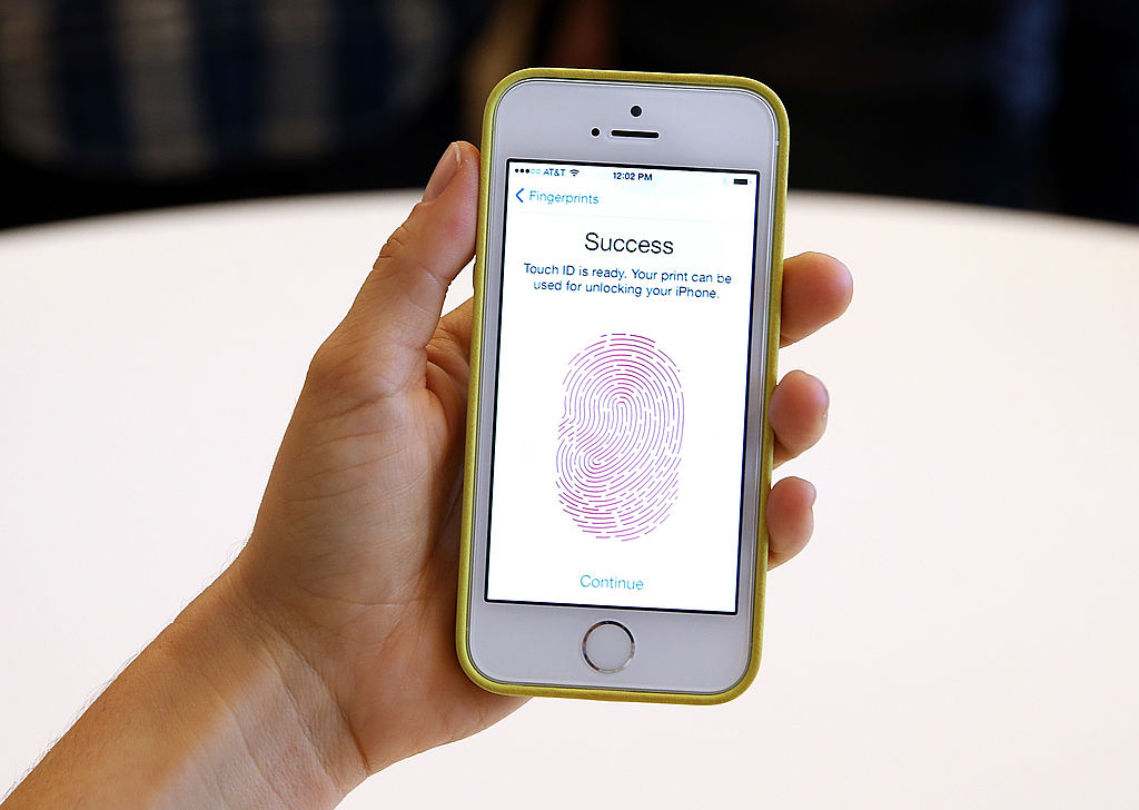 iPhone Facing Hacking Threat With Major Security Risk: Update Now to Prevent Data Breach!