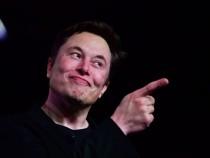 Elon Musk Is a 'Great Leader!' Script for Tesla Drivers in Las Vegas Loop Leaked!