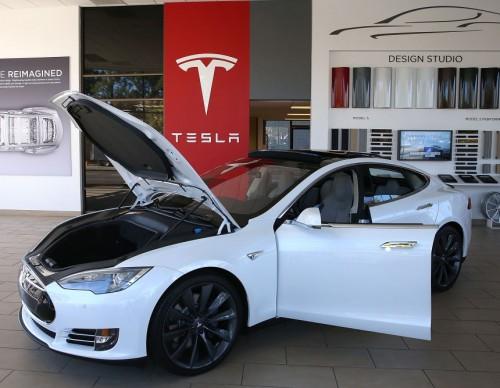Tesla Level 5 Autonomy Happening Soon? Expert Warns Elon Musk of Potential Major Problem