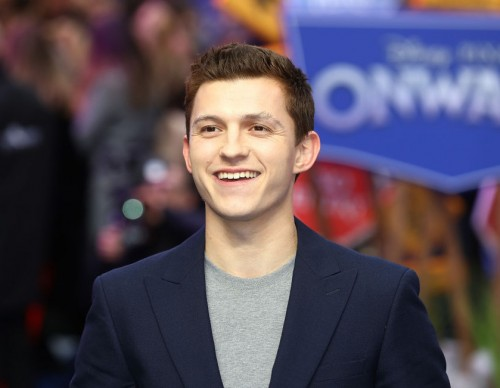 Tom Holland Deepfake Video: Actor Replaces Andrew Garfield in Epic Edit of 'The Amazing Spiderman'
