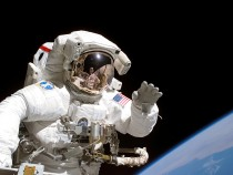 NASA Moon Mission 2024: Elon Musk Pitches to Make Spacesuits for Moon Landing!