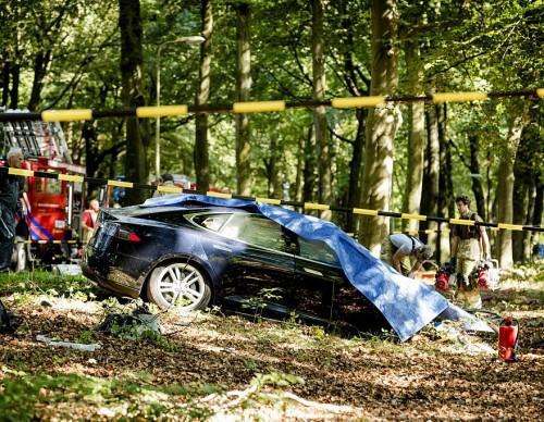 Tesla Autopilot Feature Defective? US Investigates Elon Musk's Cars Over Auto Safety Problems, Emergency Vehicle Crashes