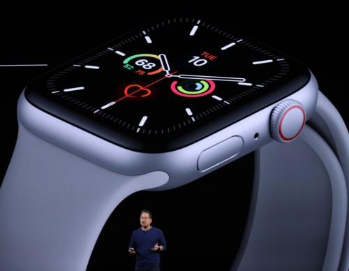 Apple Watch 7 Leaks, Rumors: Flat-Edge Design, New Speakers, Bigger Display Teased!