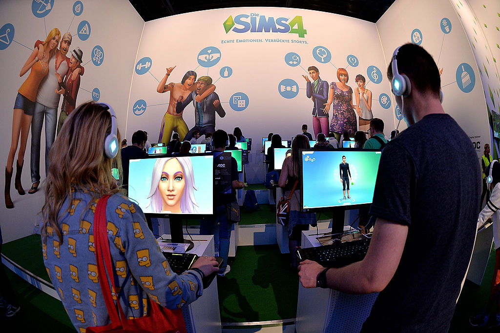 New 'The Sims 4' Patch Notes: New Painting and No More Teleporting Sims