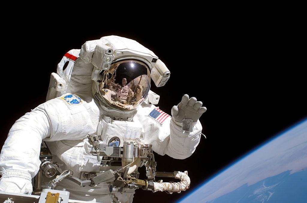 NASA Spacewalk Video Today: Cosmonauts Spacewalks for 7+ Hours, Captures Stunning Video of Earth!