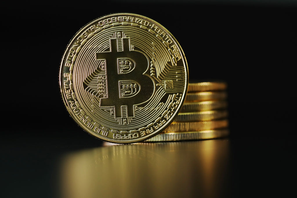 Bitcoin Price Prediction: Expert Warns of Potential 'Collapse'