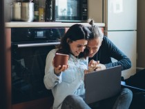 Technologies Helping Singles to Avoid Loneliness