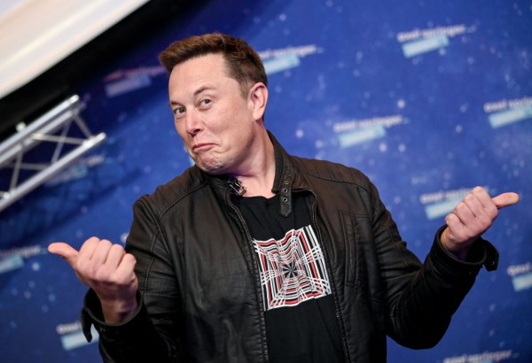 Elon Musk Wants to Give Jeff Bezos a Silver Medal for Being No. 2, Trolls Ex-Amazon CEO Again Over NASA Dispute