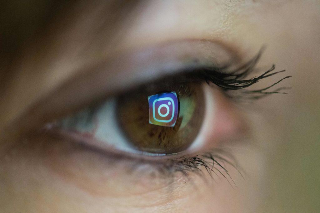 Instagram Toxic to Teenage Girls: IG Blamed for Eating Disorder of Teen Girls