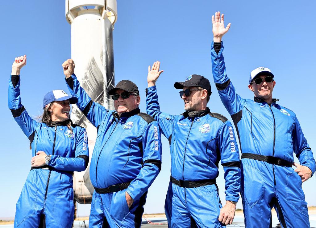 'Star Trek' Star William Shatner Goes to Space: Watch Rocket Launch, Splashdown of Captain Kirk!