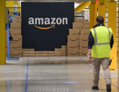 Amazon $3000 Signing Bonus for Seasonal Employees; But What About Its Working Conditions?