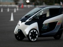 Two-Seater Toyota i-Road Zooms Tokyo's Streets