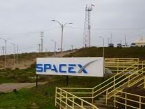 Entrada al sector de SpaceX en la base aerea de Vandenberg