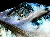 Planet Mars Shows Signs Of Liquid Water