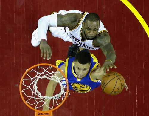 NBA Trade Rumors: LeBron James Threatened By Golden State Warriors' Stephen Curry-Kevin Durant Tandem? 'The King' To Reunite With Dwyane Wade?