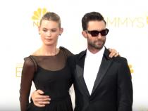 Adam Levine, Behati Prinsloo Divorce Rumors: Maroon 5 Frontman To Divorce Wife Despite Pregnancy?