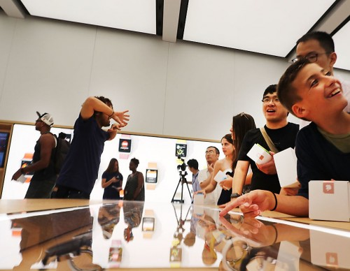 Apple Opens Store Within World Trade Center's Oculus Transportation Hub