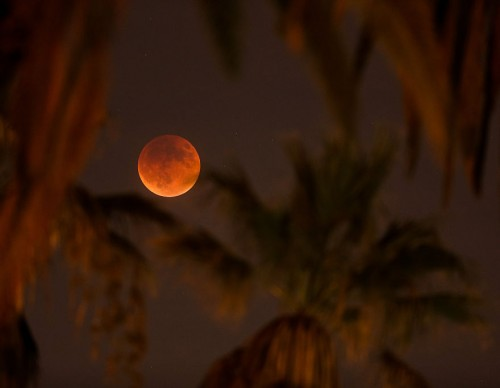 Supermoon Eclipse Visible In Skies Over California last September 27, 2015.
