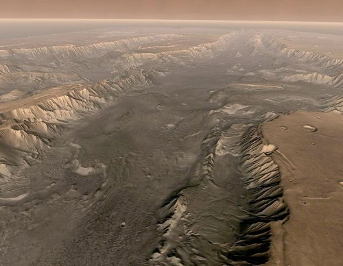 Valles Marineris Cuts Through Mars Surface