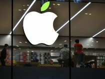 Apple Store Welcomes The World Earth Day