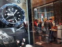 Smartwatch Sales Poised To Take Marketshare From Traditional Watch Industry