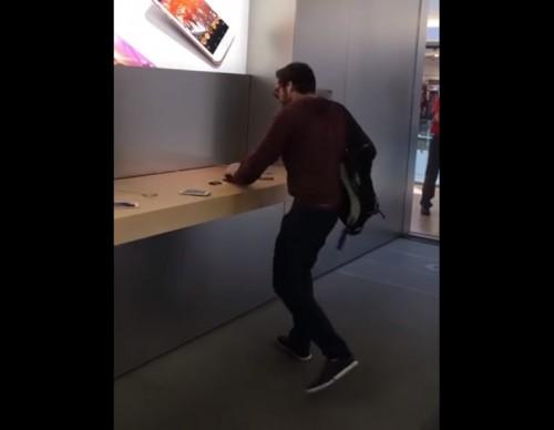 il détruit un Apple Store avec une boule de pétanque COMPLET RATZTV