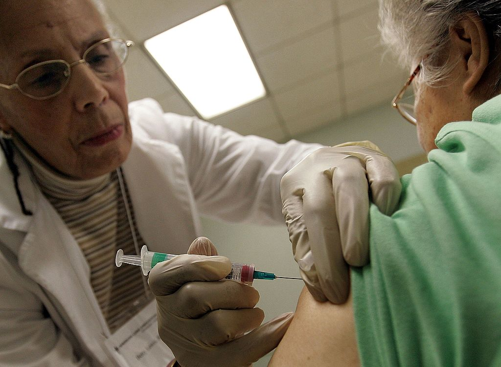 Chicago Begins Giving Out Annual Flu Shots