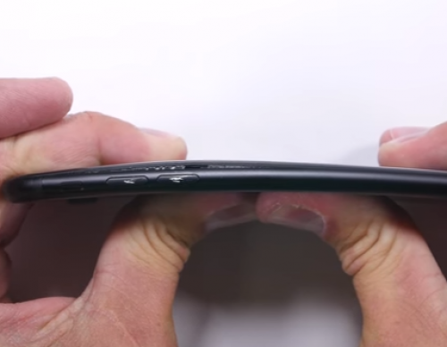 Torture Test Proves That The iPhone 7 Is A Sturdy Apple Flagship