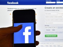 Frequent Facebook Use Might Prolong Life, Study Finds