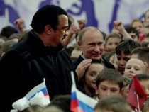 Steven Segal Latest News And Updates: Putin Grants Citizenship To Actor; Is He A Traitor?