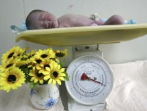 Babies Losing Weight After Being Born: Is This A Normal Happening?