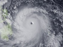 Super Typhoon Haiyan Bears Down On Philippines