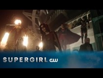 Supergirl | Heroes v Aliens Crossover Fighting Against The Dominators