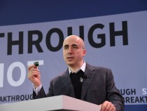 Yuri Milner And Stephen Hawking Announce Breakthrough Starshot, A New Space Exploration Initiative